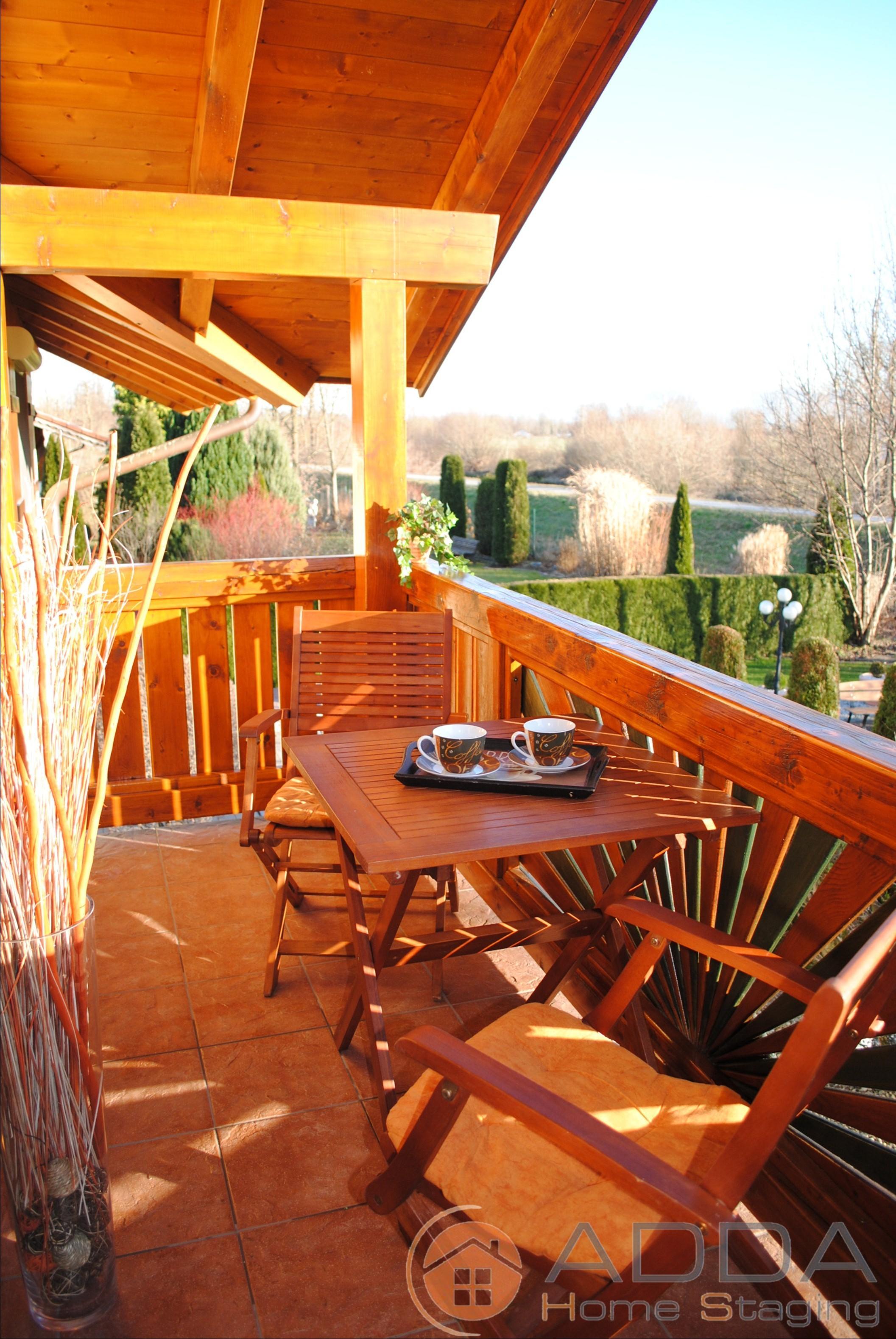Balkon sonnenschutz bilder ideen couchstyle - Holztisch terrasse ...