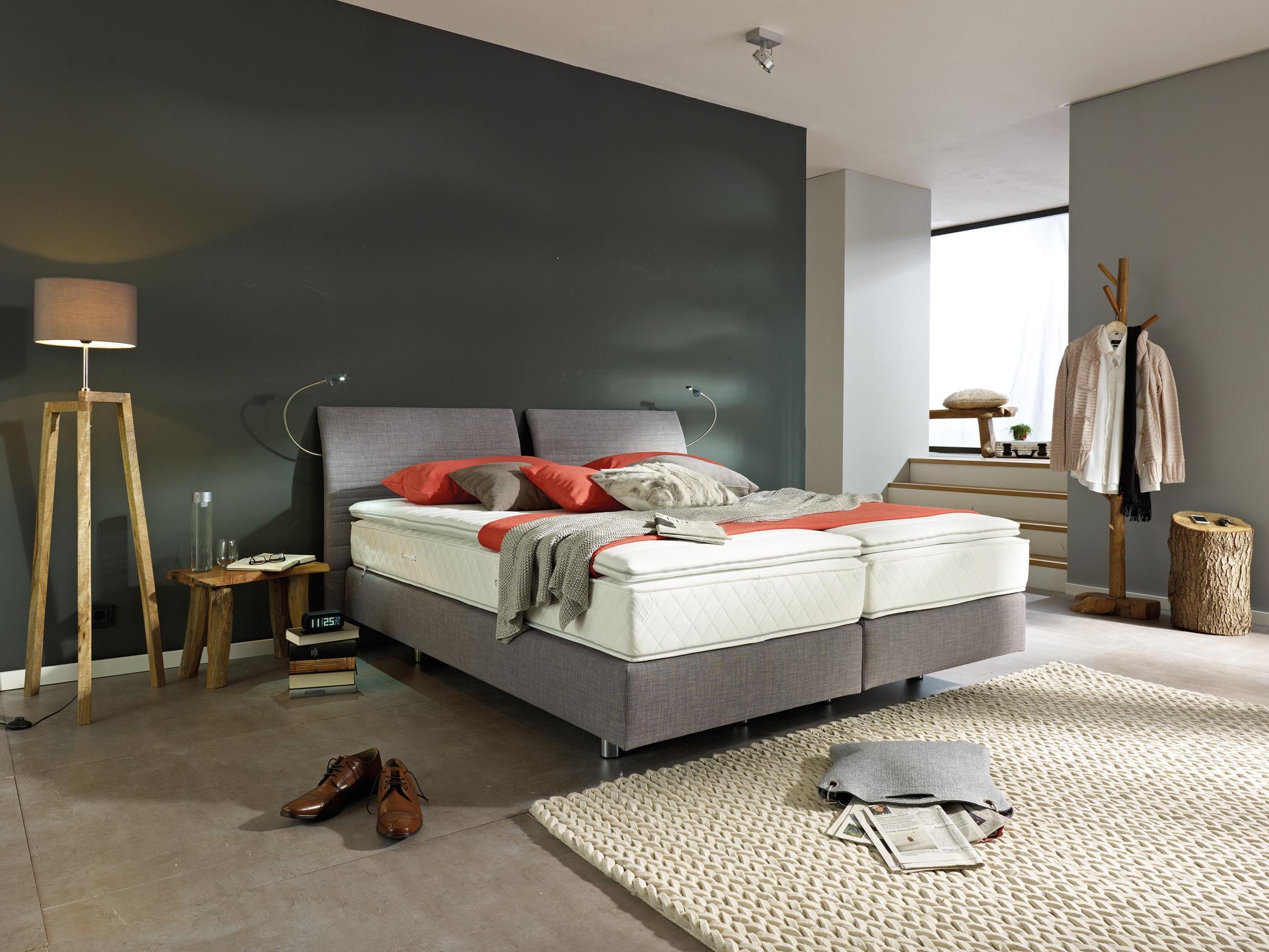 Schlafzimmer Einrichten Inspiration Holz Nachttisch Lampe: Stehlampe Aus Holz • Bilder & Ideen • COUCH