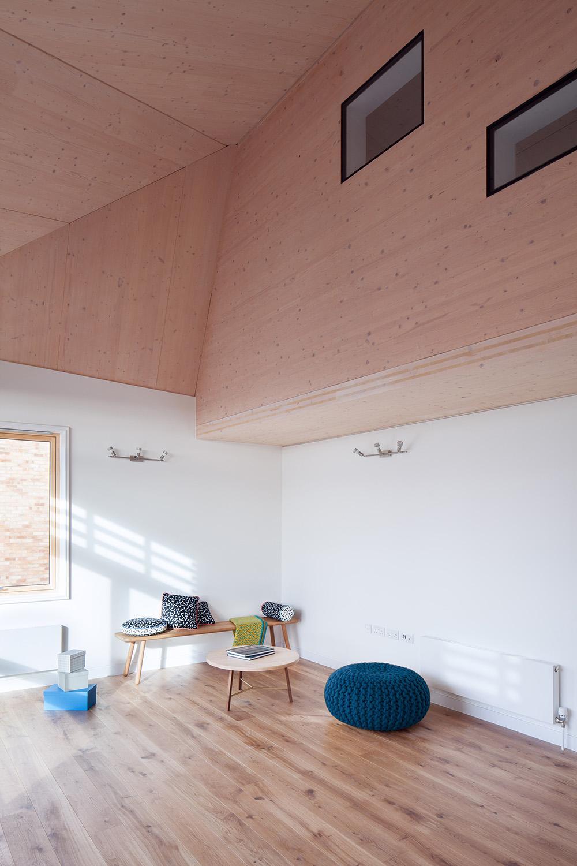 Schaukelstuhl aus holz bilder ideen couchstyle for Schaukelstuhl real