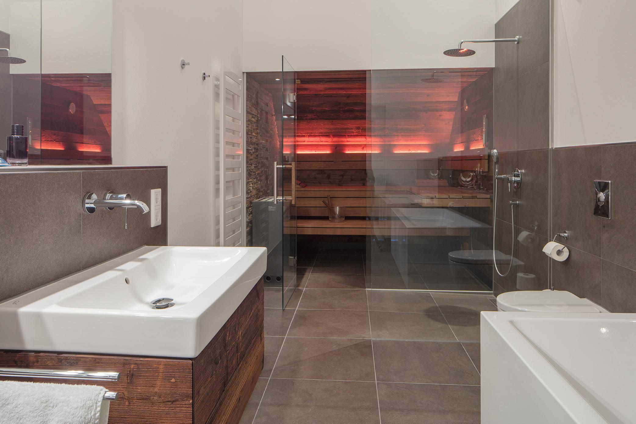 badsauna bilder ideen couchstyle. Black Bedroom Furniture Sets. Home Design Ideas