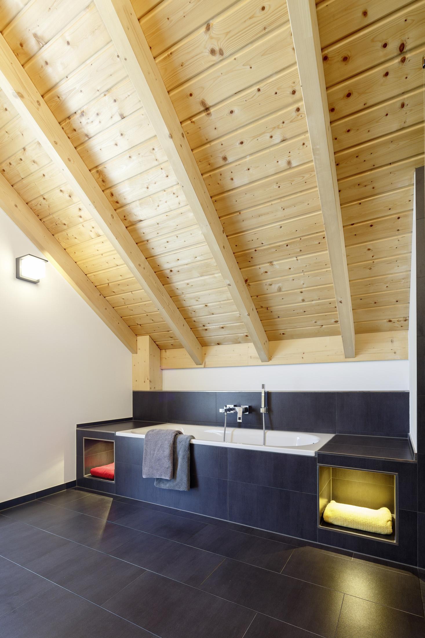 blaue fliesen bilder ideen couchstyle. Black Bedroom Furniture Sets. Home Design Ideas