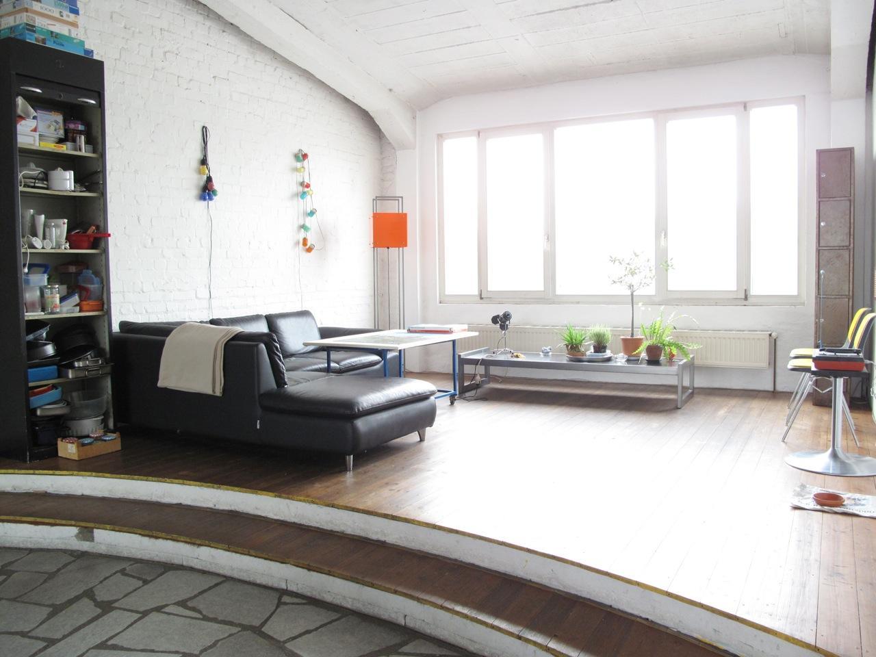 Steinbodenwohnzimmer bilder ideen couchstyle - Wohnzimmer podest ...