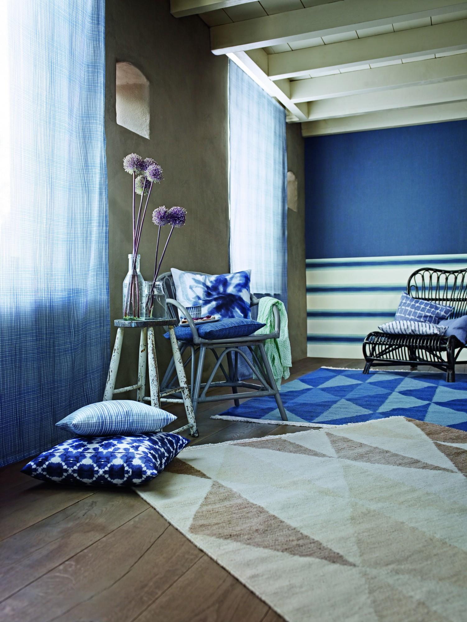 wei er dachbalken bilder ideen couch. Black Bedroom Furniture Sets. Home Design Ideas