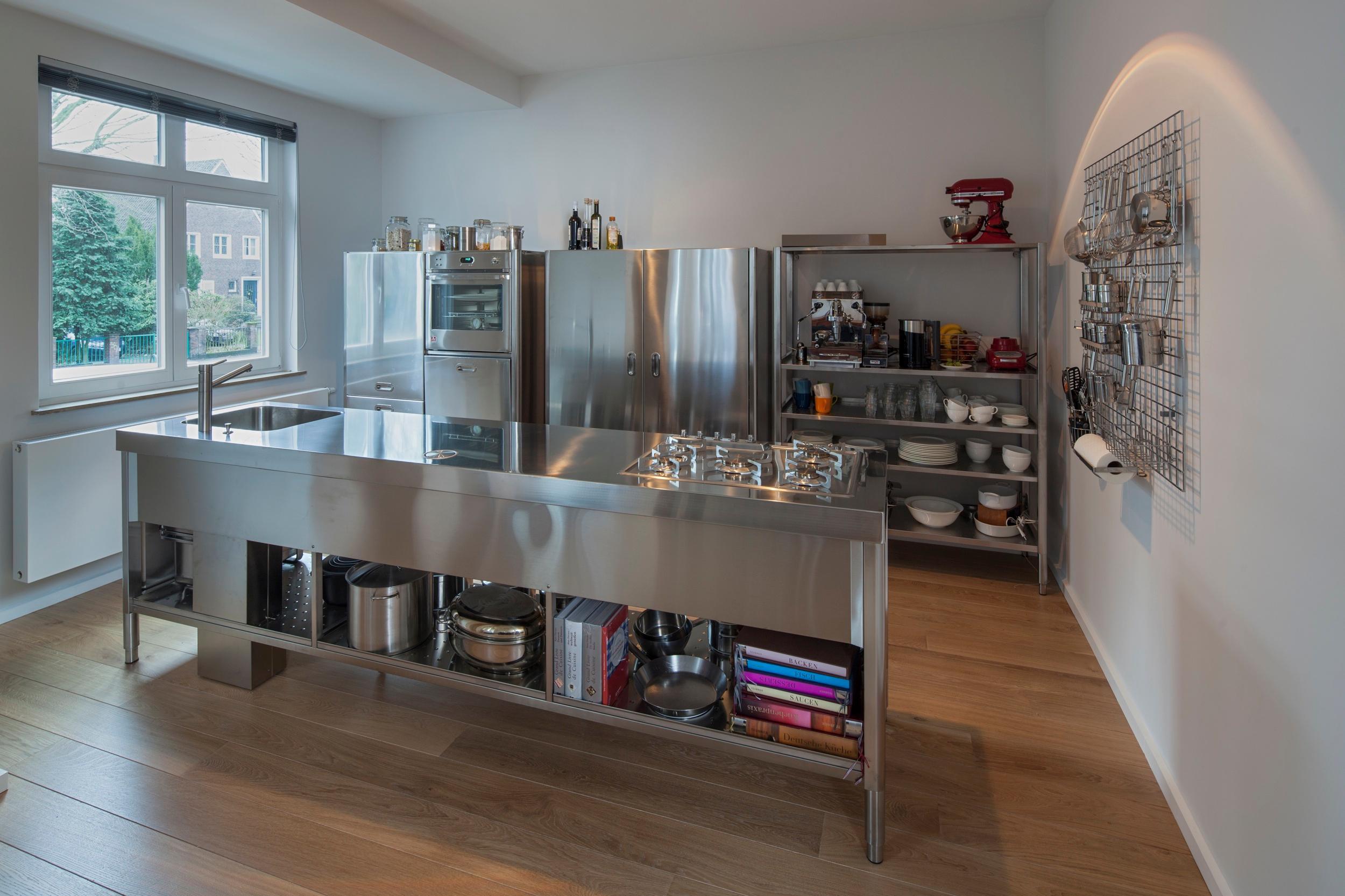 Edelstahl kuchenzeile o bilder ideen o couchstyle for Edelstahl küche