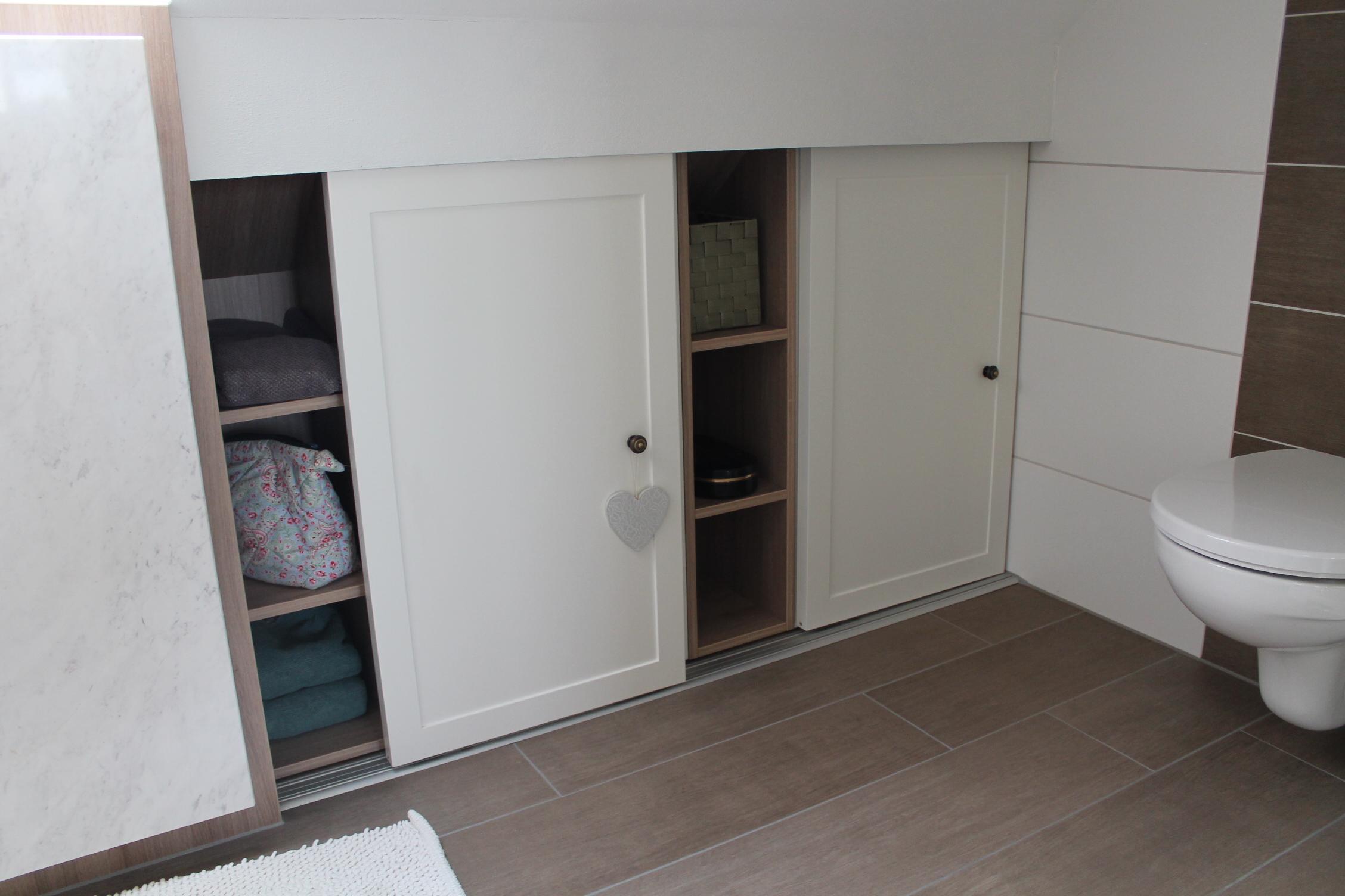 badezimmer schiebet r bilder ideen couchstyle. Black Bedroom Furniture Sets. Home Design Ideas