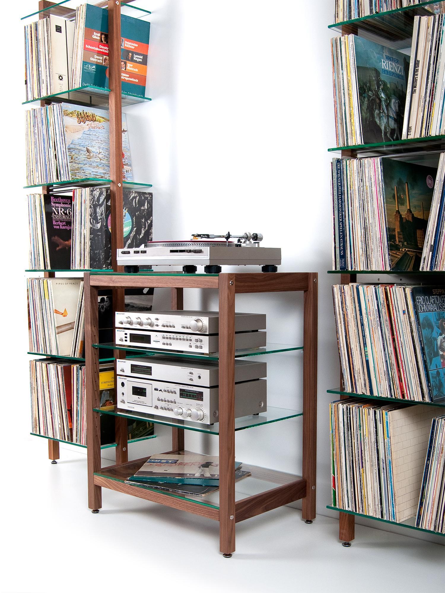 dvd regal bilder ideen couchstyle. Black Bedroom Furniture Sets. Home Design Ideas