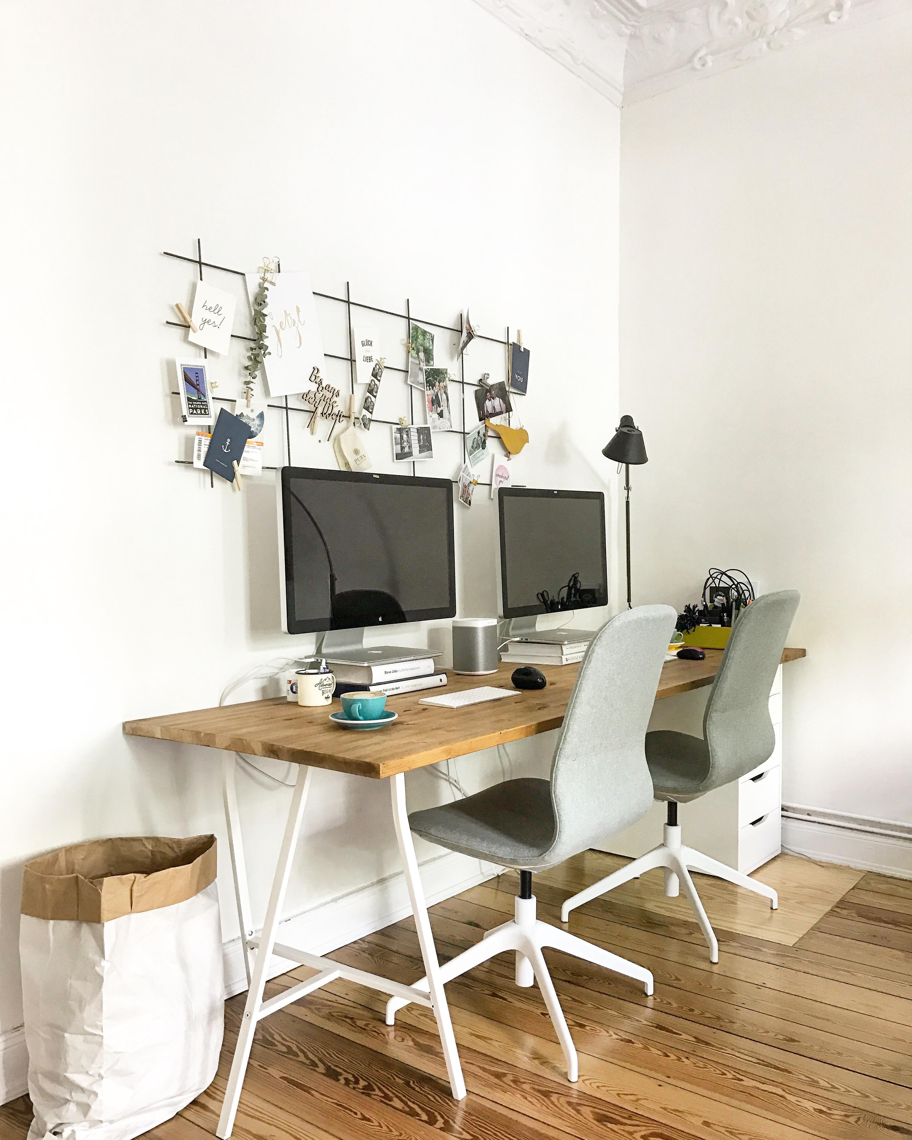 ikea kleiner schreibtisch schreibtisch wei ikea borgsj in sehr gutem zustand in stuttgart ikea. Black Bedroom Furniture Sets. Home Design Ideas
