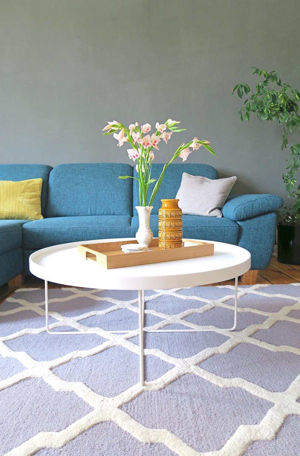 kuhfellteppich bilder ideen couchstyle. Black Bedroom Furniture Sets. Home Design Ideas