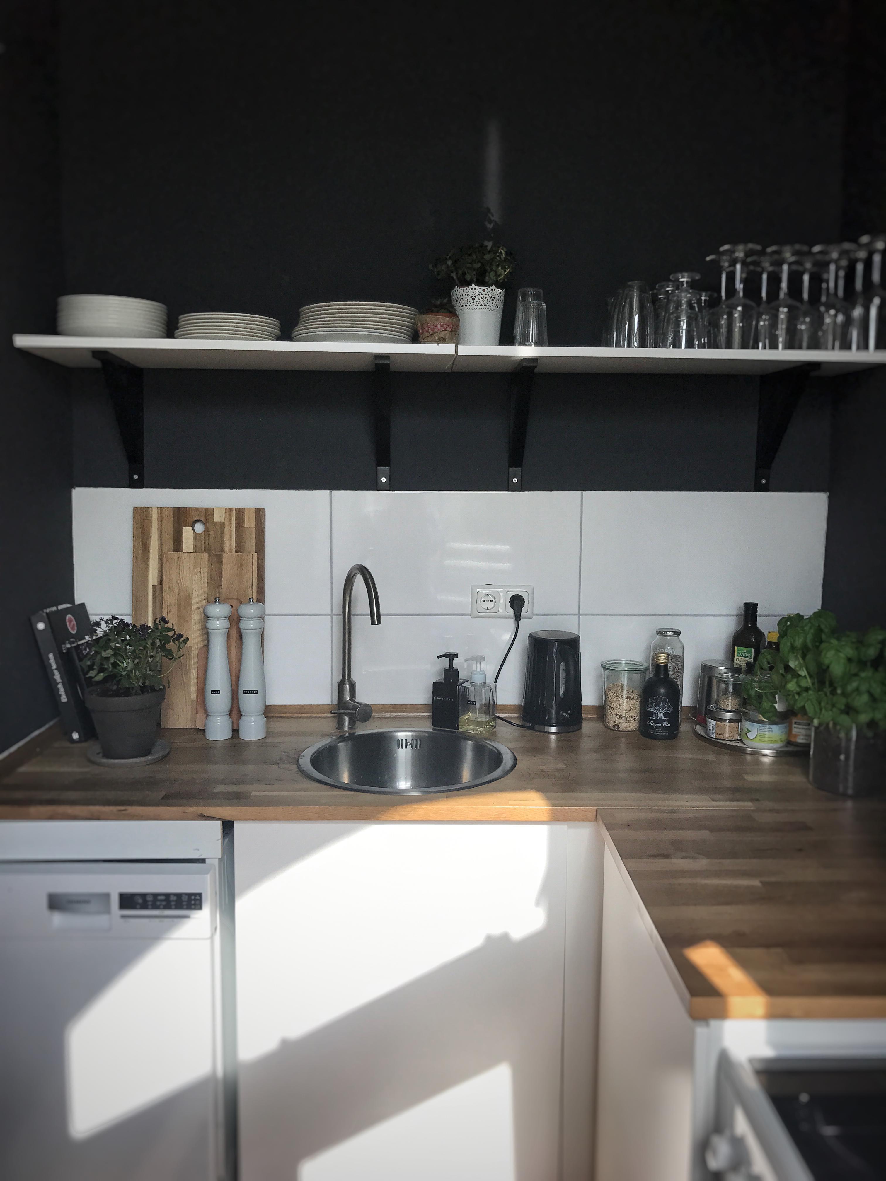 farbe in der k che bilder ideen couchstyle. Black Bedroom Furniture Sets. Home Design Ideas