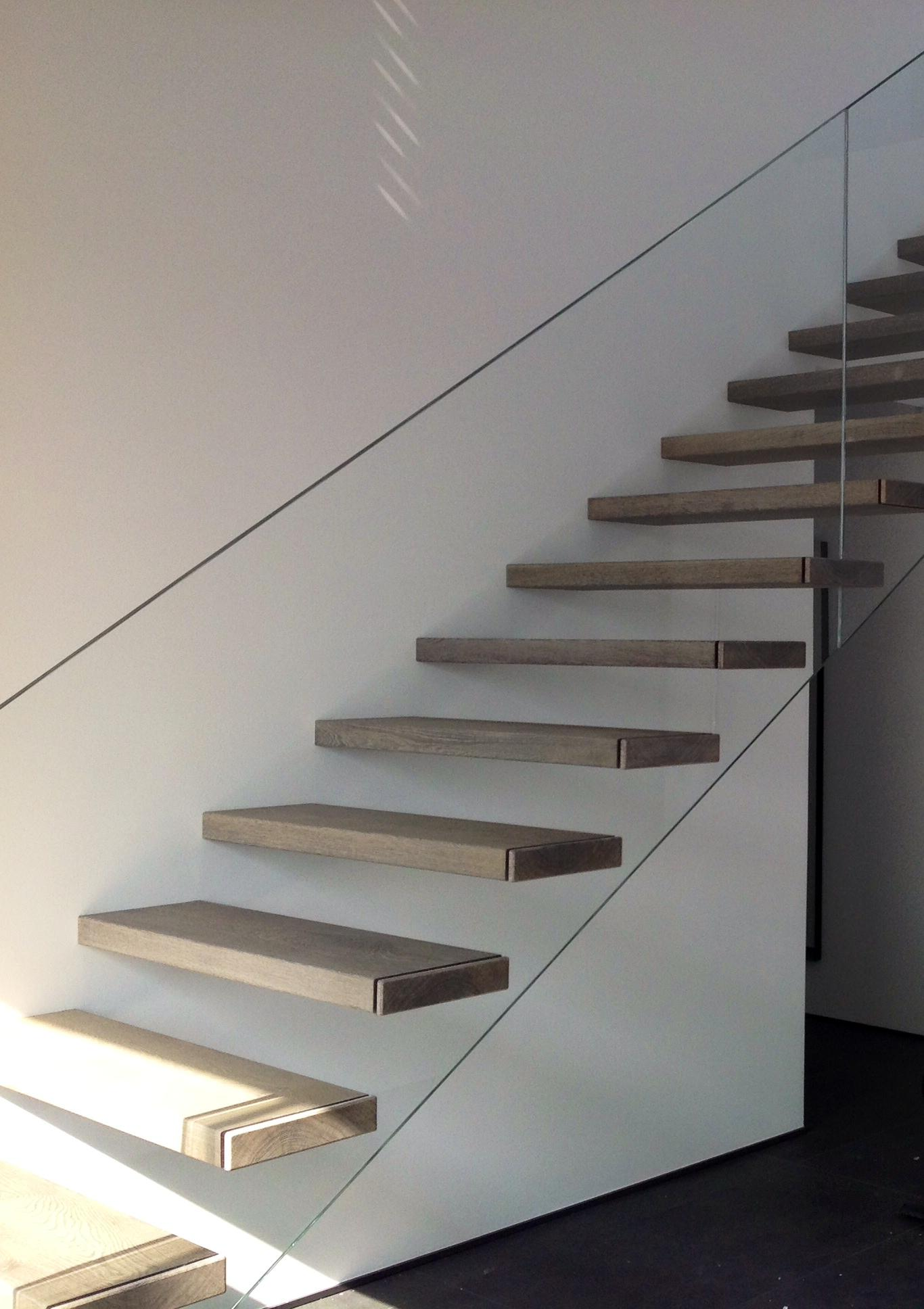 Freischwebende treppe bilder ideen couchstyle for Teppich fa r treppenstufen