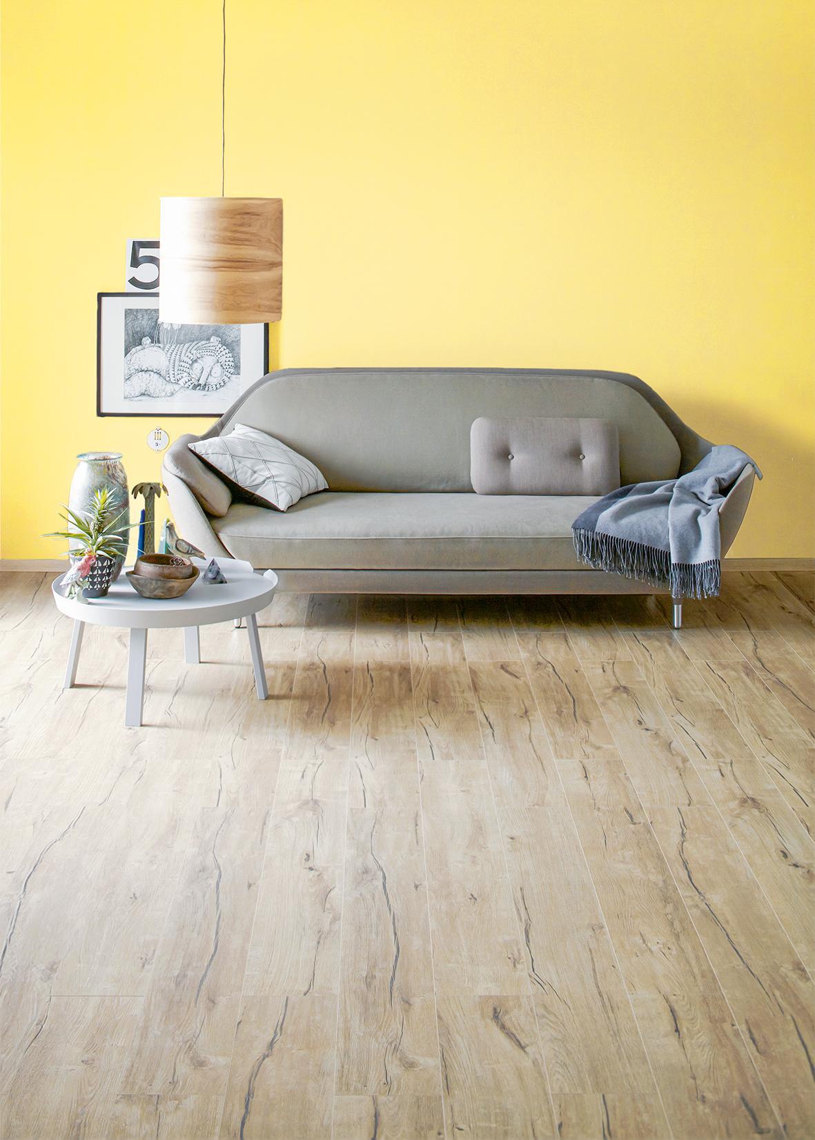 gelbe wandfarbe bilder ideen couchstyle. Black Bedroom Furniture Sets. Home Design Ideas